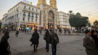 Tunus'ta kısmi sokağa çıkma yasağı 14 Şubat'a uzatıldı