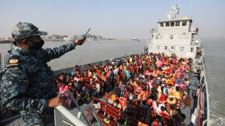 Bangladeş 1804 Arakanlı Müslümanı daha Bhasan Char Adası'na gönderdi