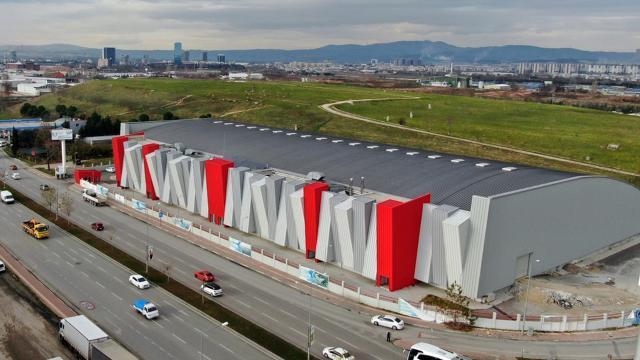 Türkiyenin en büyük atletizm salonu açılış için gün sayıyor