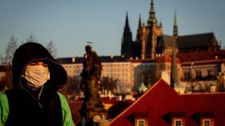 Çek Cumhuriyeti koronavirüse teslim: Vakalar çığırından çıktı