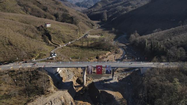 2 ayda tamamlanan Altı Şehitler Köprüsü açıldı