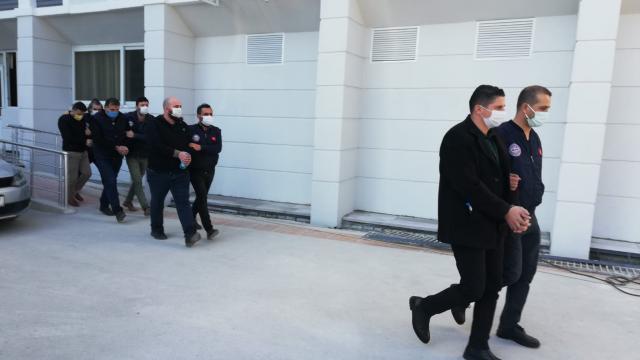 """Mersinde """"dublör""""lü tapu dolandırıcılığı operasyonunda 5 kişi tutuklandı"""
