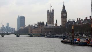 İngiliz ekonomisi kasımda yüzde 2,6 daraldı