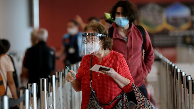 İstanbul Havalimanı salgın sürecinin en yoğun gününü yaşıyor