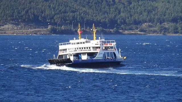Marmara Denizinde etkili olan lodos 2 gündür deniz ulaşımını aksatıyor