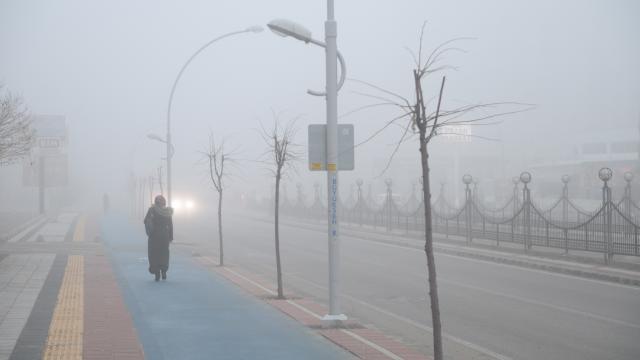 Malatyada yoğun sis ulaşımı olumsuz etkiliyor
