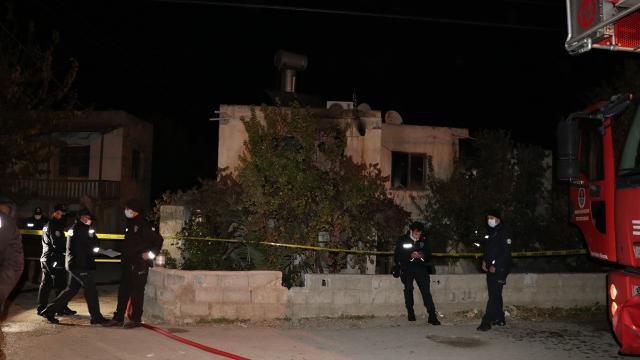 Mersinde ev yangını: 2 bebek hayatını kaybetti
