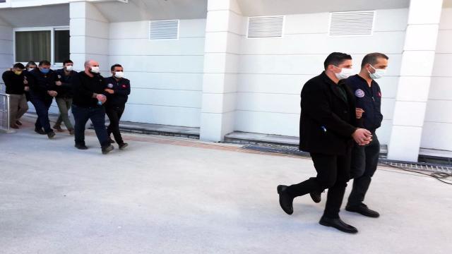 Sahte kimlik ve dublörle, başkasının dükkânlarını satan 5 kişi tutuklandı