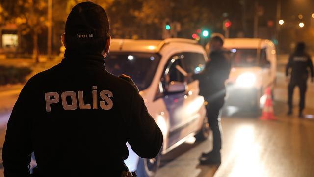 İzmirde yılbaşı kısıtlamasında 5 bin polis görev yapacak
