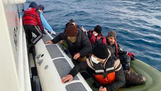 Çeşme açıklarında 6 sığınmacı kurtarıldı