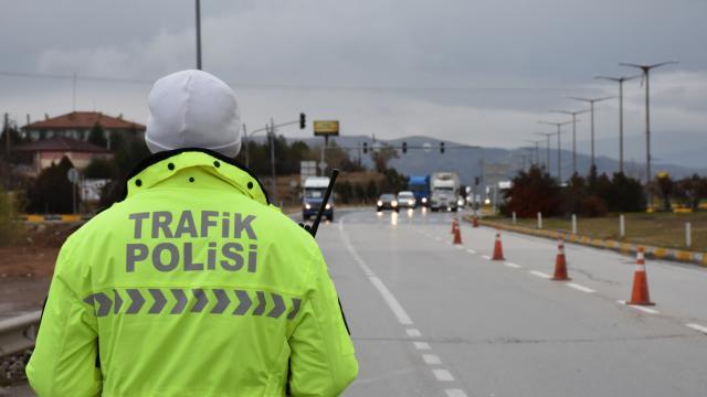 Sakarya, Düzce ve Zonguldakta kısıtlamalara uymayan 604 kişiye para cezası verildi