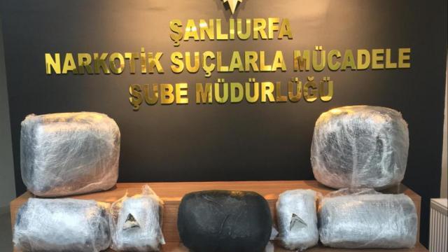 Şanlıurfada bir tırda 66 kilogram uyuşturucu ele geçirildi: 2 gözaltı