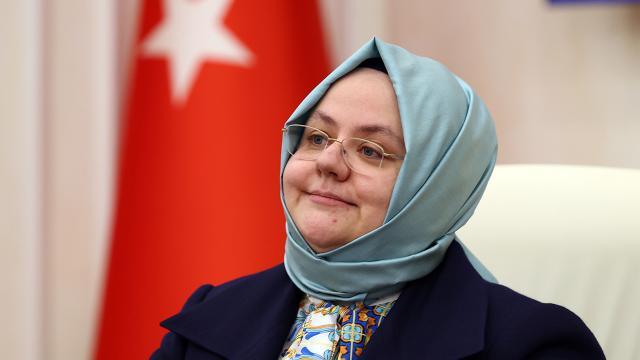 """Bakan Zehra Zümrüt Selçuktan """"İstanbul Sözleşmesi"""" açıklaması"""