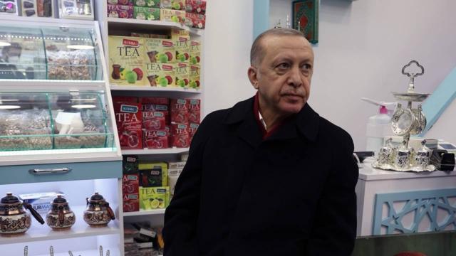 Cumhurbaşkanı Erdoğandan esnaf ziyareti