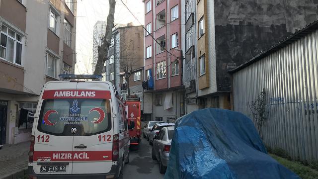 İstanbulda ev yangını: 1 ölü