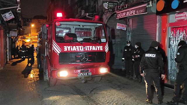Fatihte tarihi iş hanında yangın: 1 ölü