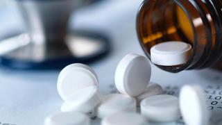 Bilim Kurulu Üyesi Akın: Bazı ağrı kesiciler aşının etkisini azaltabilir