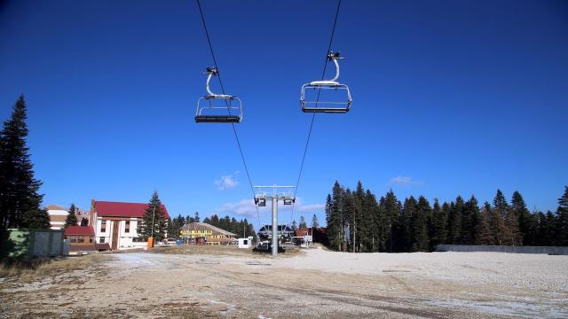 Ilgaz Dağındaki kayak merkezi yeni yıla karsız ve sessiz girdi