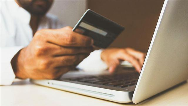 Türkiyenin e-ticaret hacmi 34 milyar lirayı aştı