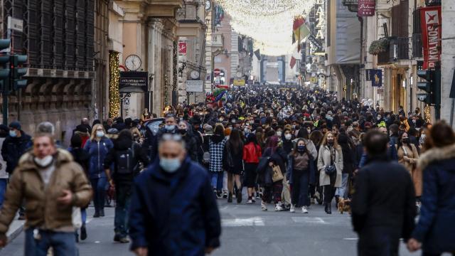 İtalyada 307 kişi daha koronavirüsten öldü