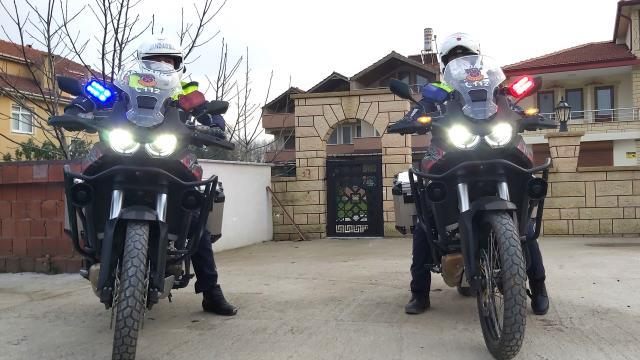 Karasuda jandarma motosikletli trafik timi göreve başladı