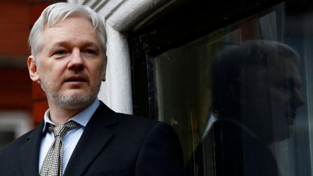 Assangeın kefaletle serbest bırakılma talebi reddedildi