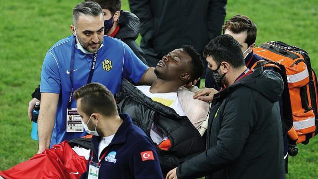 Yeni Malatyasporlu Ndayishimiye maç sonu rahatsızlandı