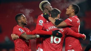 Manchester United, 3 puanı 2 golle aldı
