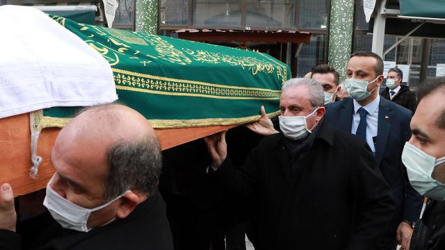 TBMM Başkanı Şentop, okul arkadaşının cenaze törenine katıldı