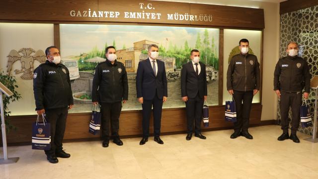 Gaziantepte EYP ele geçiren polis ve bekçilere ödül verildi