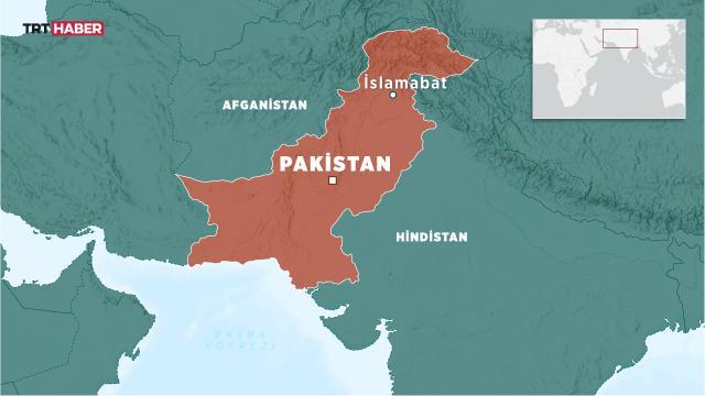 Pakistanda otobüs nehre düştü: 1 ölü, 16 kayıp
