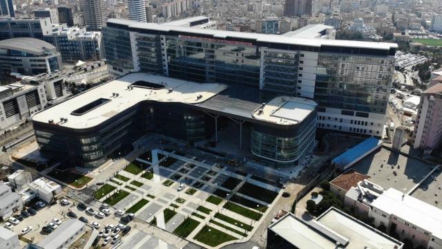 Türkiyenin sağlık yatırımları virüsle mücadeleye büyük katkı sağladı