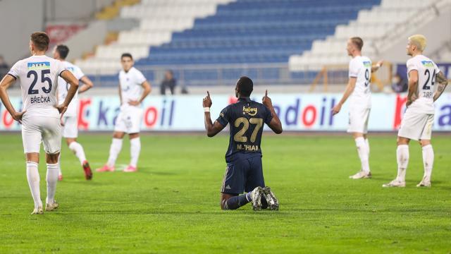Thiam ilk gollerini eski takımına attı
