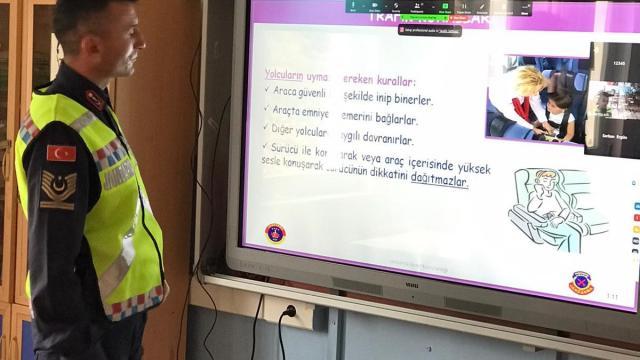 Sinopta öğrencilere EBA üzerinden trafik eğitimi verildi