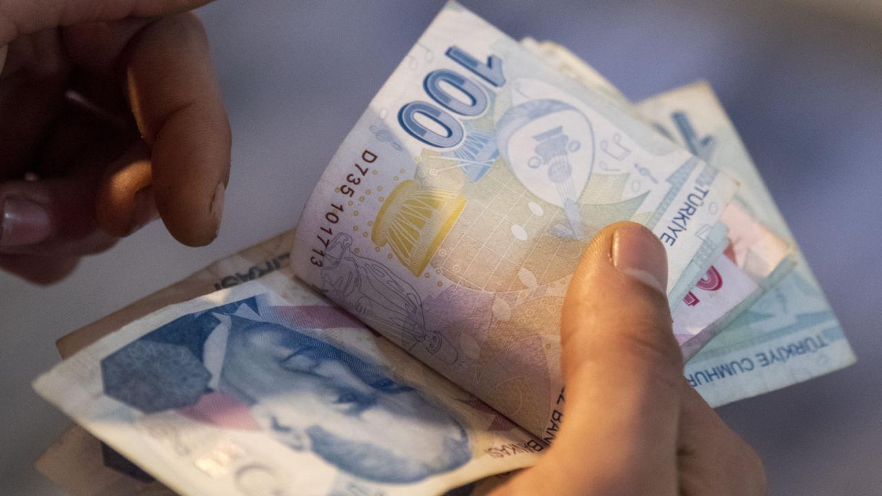 Emeklilerin bayram ikramiyeleri ödeniyor