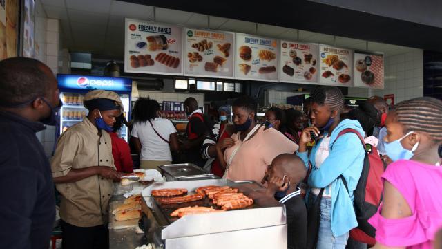 Zimbabvede vakalar artıyor, kısıtlamalar sıkılaştırılıyor