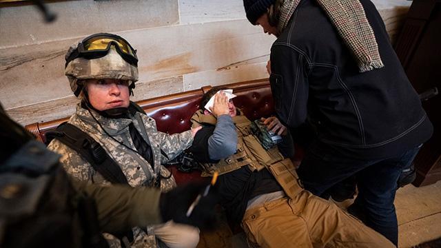 ABDde Kongre binasındaki olaylarda çok sayıda polis yaralandı