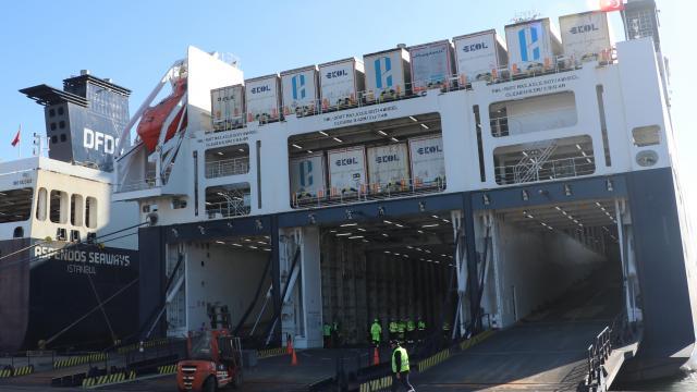 AFAD, depremin vurduğu Hırvatistana 100 yaşam evi konteyner gönderdi