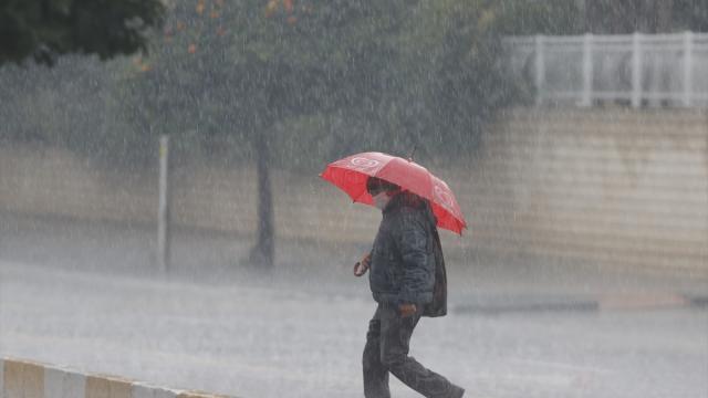 4 il için kuvvetli yağış ve fırtına uyarısı