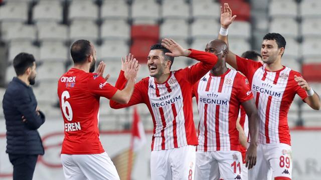 Antalyaspor 3 golle kazandı