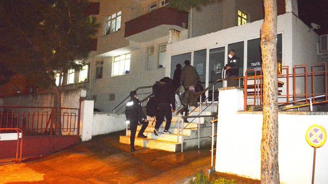 Polisten kaçan 8 düzensiz göçmen ve 3 organizatör yakalandı