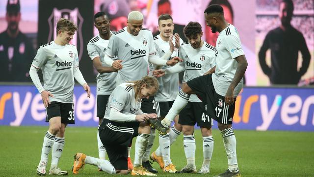 Beşiktaşta 13 futbolcu gol katkısı sağladı