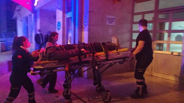 Zonguldakta çatıdan düşen kişi yaralandı