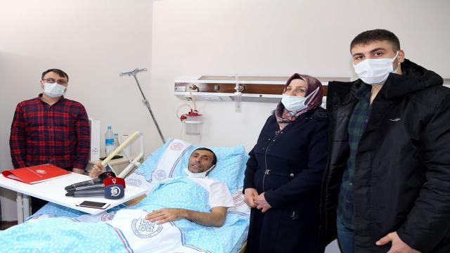 Şehit babası olan tır şoförü Kazakistandan ambulans uçakla getirildi