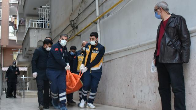 Diyarbakırda bir evde 3 kişinin cesedi bulundu