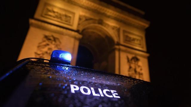 Fransada, polis insanların siyasi ve dini görüşlerini listeleyebilecek