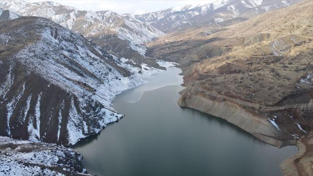 Erzincandaki Göyne Barajında su seviyesi yüzde 6ya geriledi