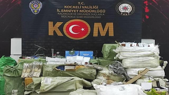 Anadolu Otoyolunda gümrük kaçağı ürünler ele geçirildi