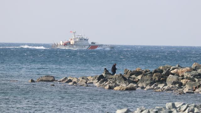 Hatayda botla açıldığı denizde kaybolan genci arama çalışmaları sürüyor