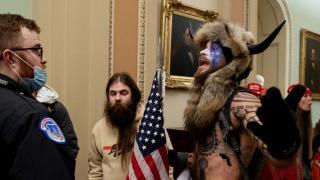 Kongre baskınında en çok o dikkat çekti: Boynuzlu kürklü Q Shaman